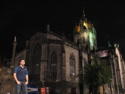 Alex infront of Edinburgh Cathedral